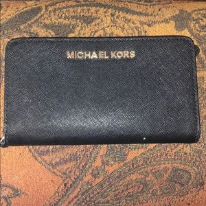 Michael Kors wallet/cell phone holder